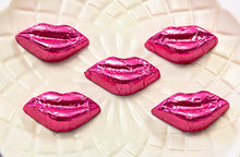 Load image into Gallery viewer, Kisses - Milk Chocolate Lips in Pink foil 5kg