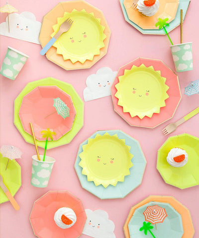 Smiley Sun Party Plates