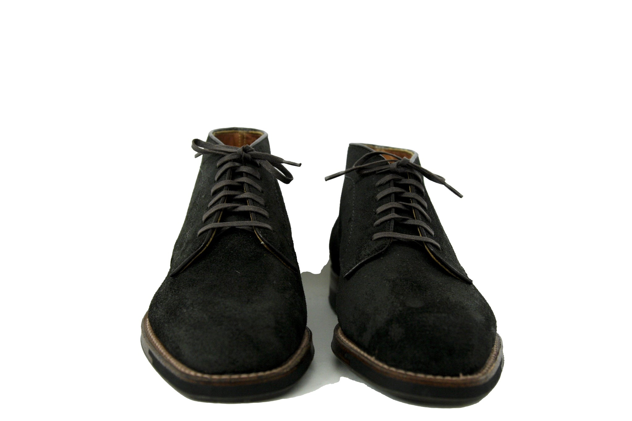 Alden Six Eyelet Plain Toe Suede Chukka Reverse Earth Rough-Out Suede
