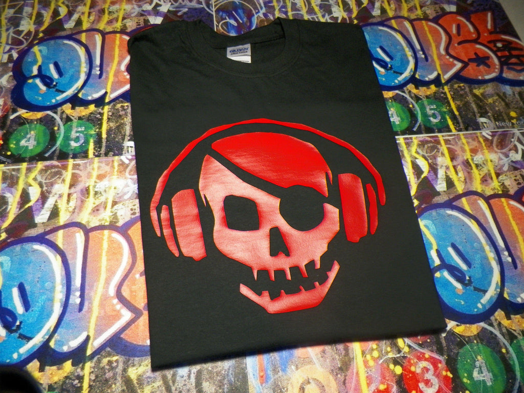 Skull with Headphones TPB the Pirate Bay T-shirt