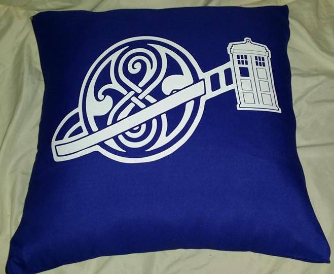 Doctor Who Phone Booth Pillow Cover