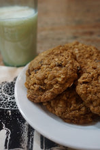 Load image into Gallery viewer, Oatmeal Raisin Cookies