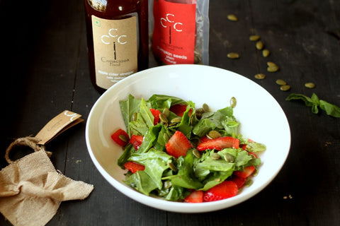 strawberry salad with apple cider vinegar dressing