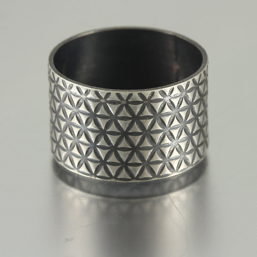 Textured Wide Ring Band - Size 7.5