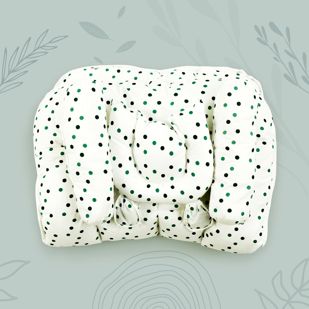 Dot Printed White Color Baby Bed with Pillow and Side Pillows