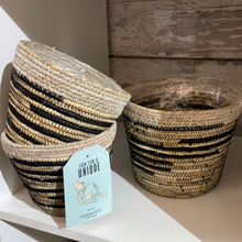 Load image into Gallery viewer, Seagrass two tone plant pot - 12cm 15cm 17cm