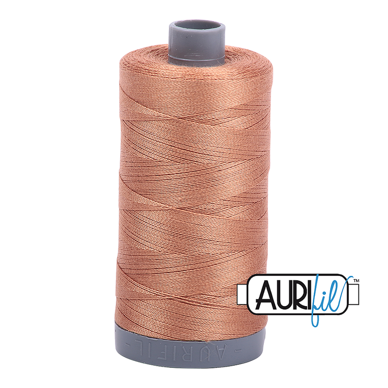 Aurifil Mako 28wt Cotton 750 m (820 yd.) spool - 2330 Light Chestnut