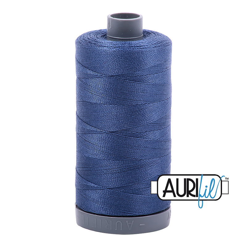 Aurifil Mako 28wt Cotton 750 m (820 yd.) spool - 2775 Street Blue