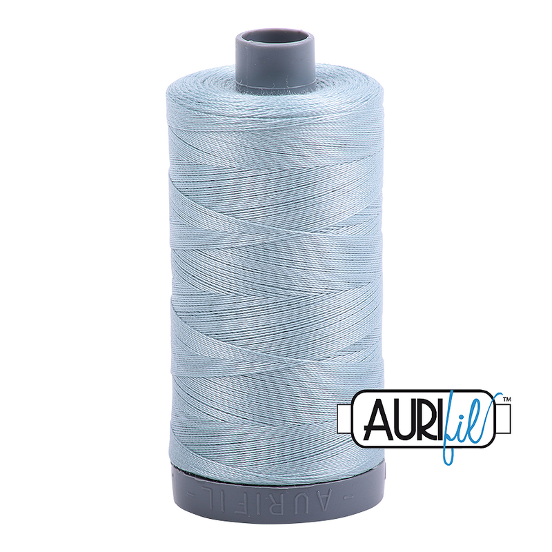 Aurifil Mako 28wt Cotton 750 m (820 yd.) spool - 2847 Bright Grey Blue