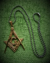 Load image into Gallery viewer, Masonic Square & Compasses Pendant