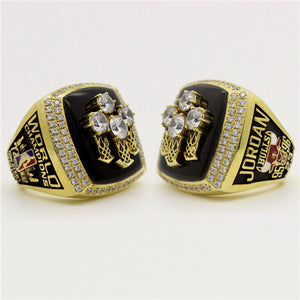 Chicago Bulls 1996 NBA Finals National Basketball World Championship Ring With Black Obsidian