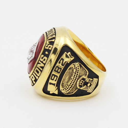 St. Louis Cardinals 1982 World Series MLB Championship Ring With Red Ruby
