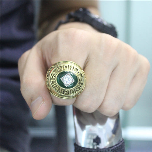 Oakland Athletics 1973 World Series MLB Championship Ring With Green Chrysoprase
