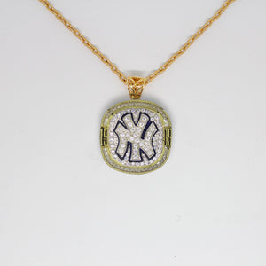 New York Yankees 1999 World Series MLB Championship Pendant with Chain