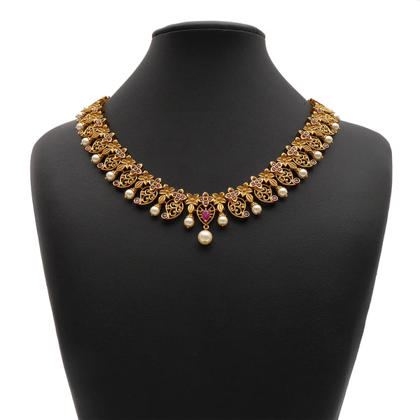 Sathya South-Indian Necklace Set in Ruby