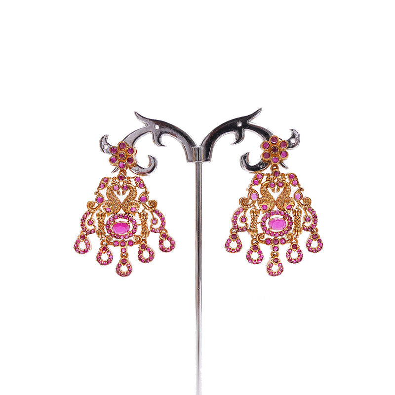 Lakhsha South-Indian Necklace Set in Ruby