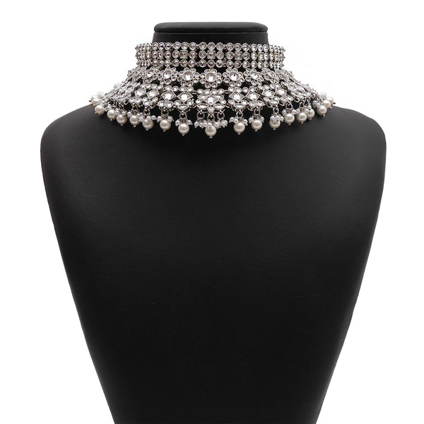 Nyra Bridal Necklace Set in Pearl and Rhodium