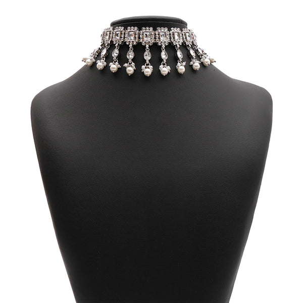 Veda Choker Set in Pearl and Rhodium