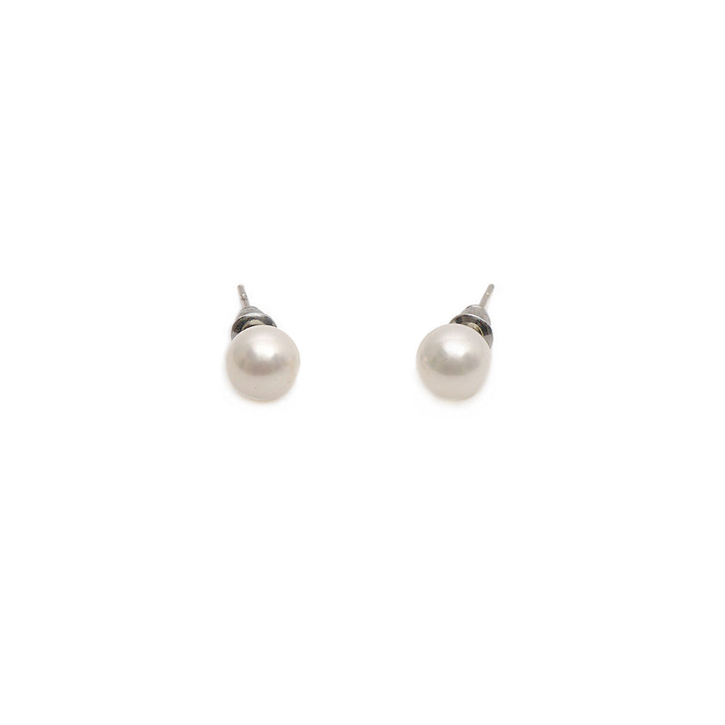 Thea Pearl Studs in Rhodium (0.8mm)