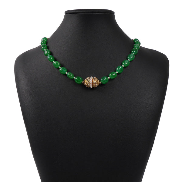 LIGHT GREEN ONYX CRYSTAL NECKLACE