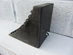 R142 Vehicle Wheel Chock (230 x 160 x 205 mm)