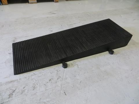 R392 - Hose and Cable Ramp