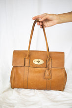Load image into Gallery viewer, Mulberry Bayswater Brown Leather Bag