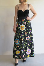Load image into Gallery viewer, Vintage Raffia Embroidered maxi Skirt