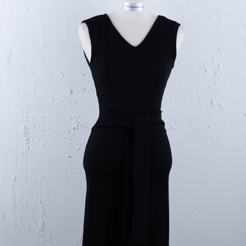 Minimalist Tie-Waist Dress