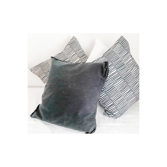 SELECTION OF BLACK/WHITE CUSHIONS
