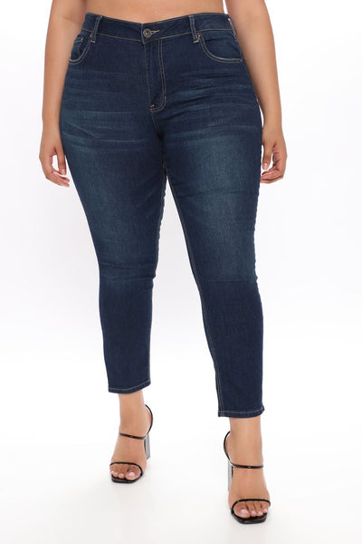 EASTON MID RISE DARK WASH DENIM