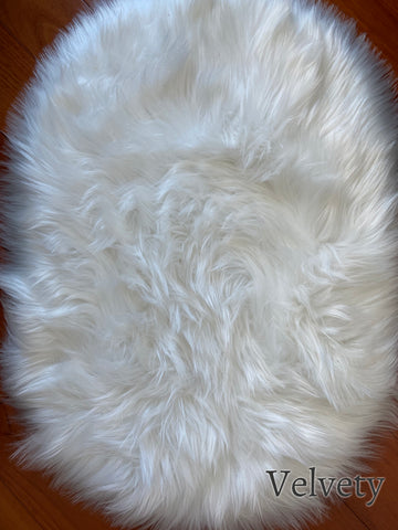 Deluxe Fine and Soft Faux Sheepskin Rug_Velvety