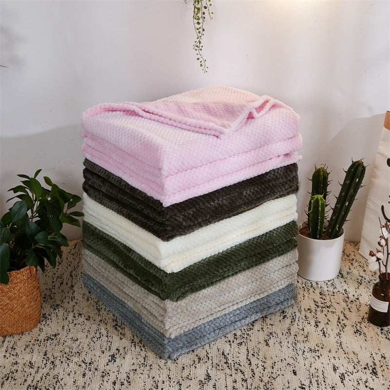 SensationalLightandSoftCoralFleeceThrowBlanket