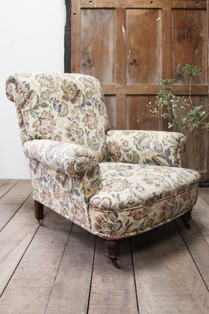 Large easy chair (Reserved)