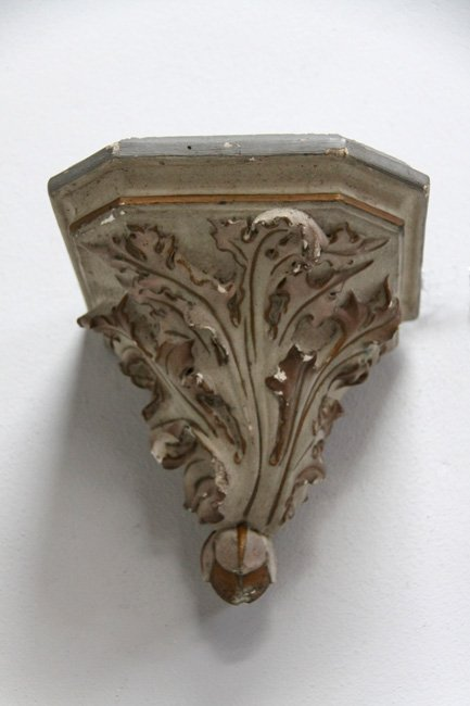 Plaster wall bracket
