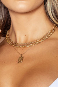 Gold Pendant Layering Necklace Set