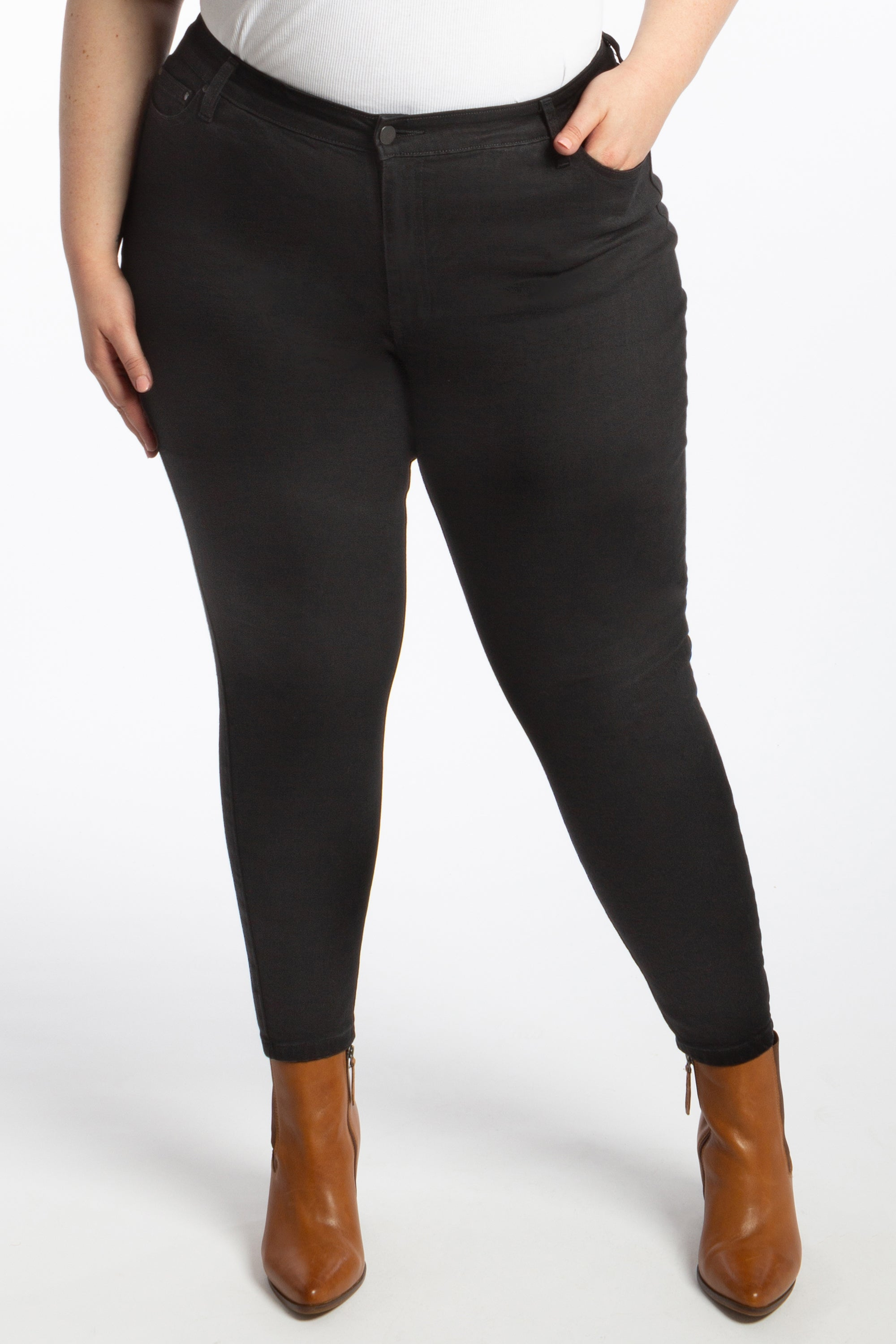 Black Betty Denim - Ankle Grazer