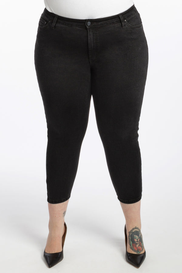 Black Betty Denim - Crop