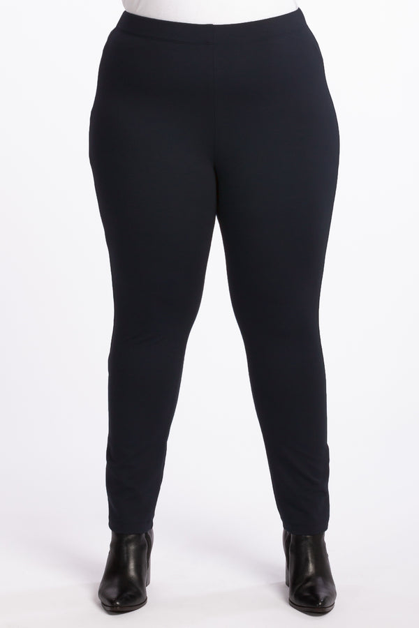 The Essential Ponte Legging - Navy