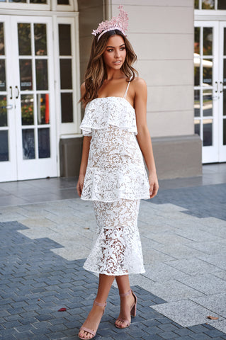 Snapdragon Fitted Layered Lace Dress - white