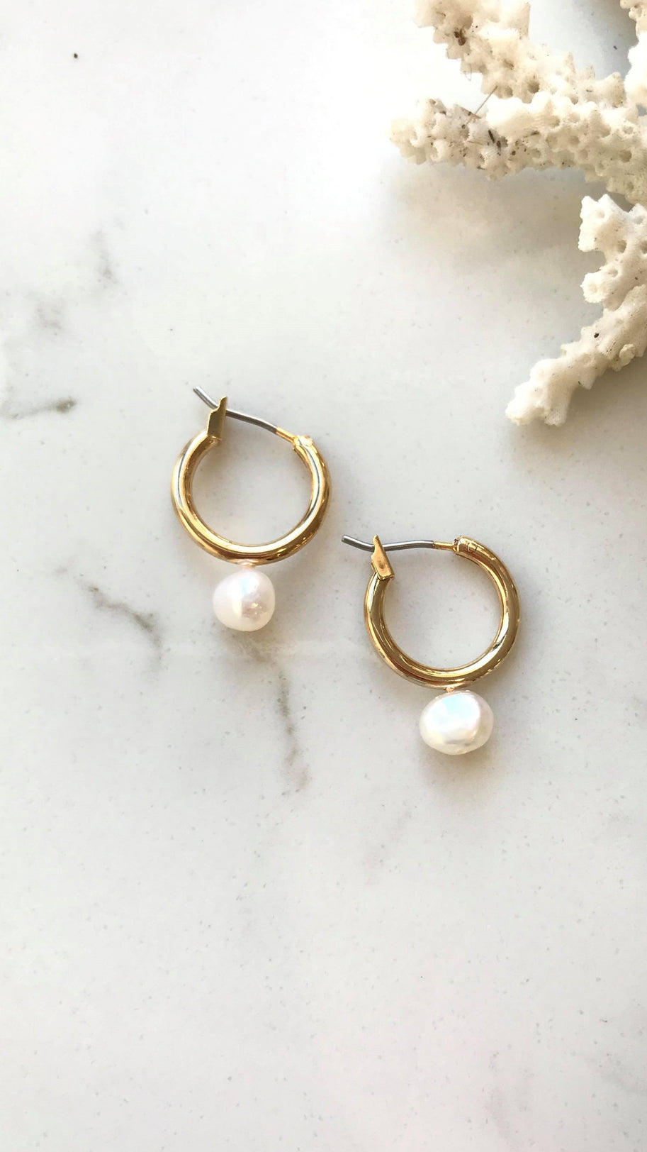 Milly Sleeper Earrings - Gold/Pearl