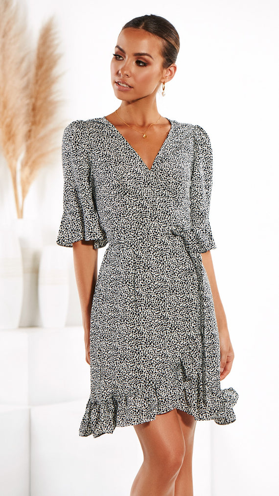 Twiggy Wrap Dress - White Pebble