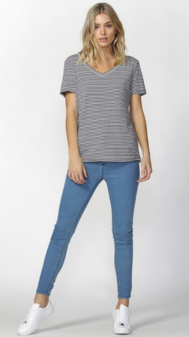 Manhattan V Neck Tee - Navy Stripe