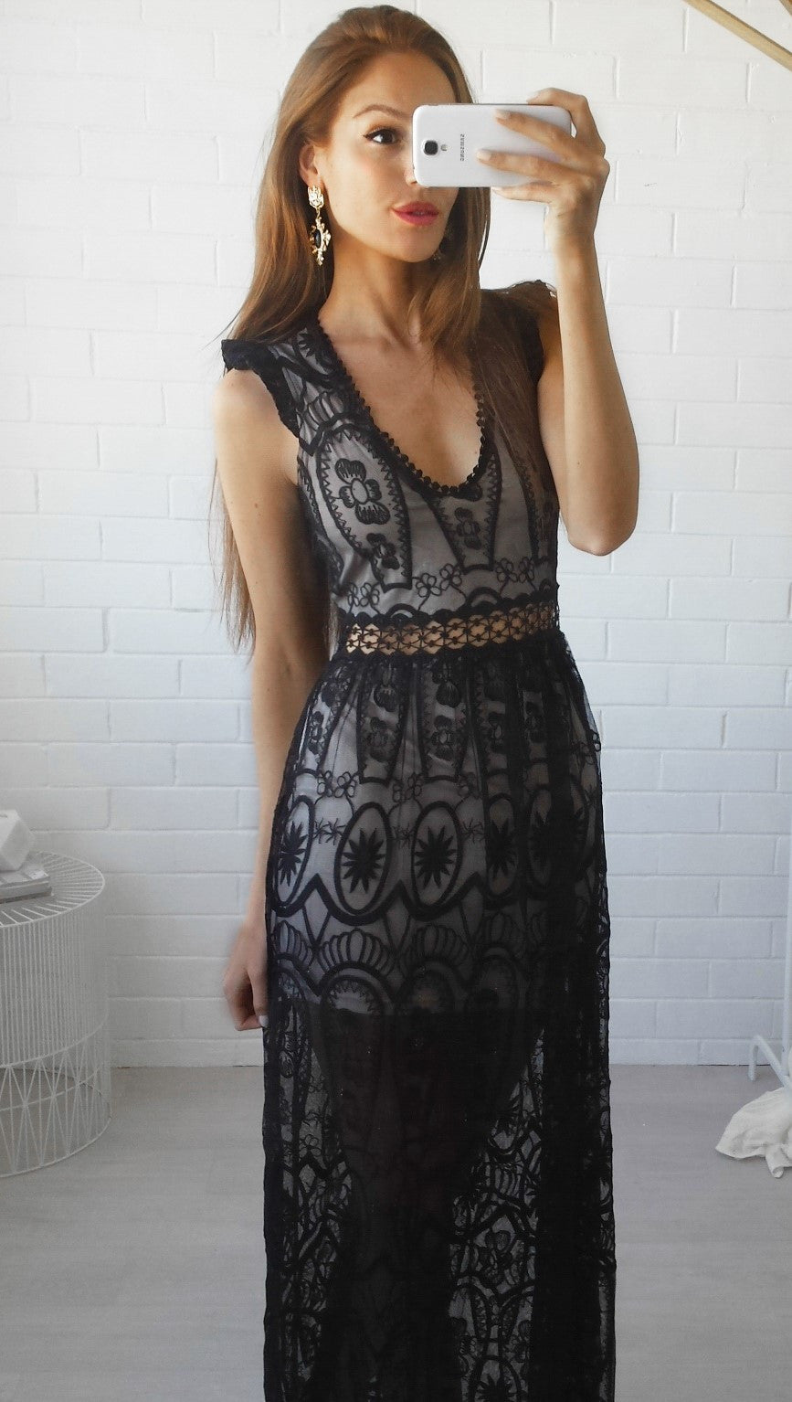 Im Yours Lace Maxi Dress - Black