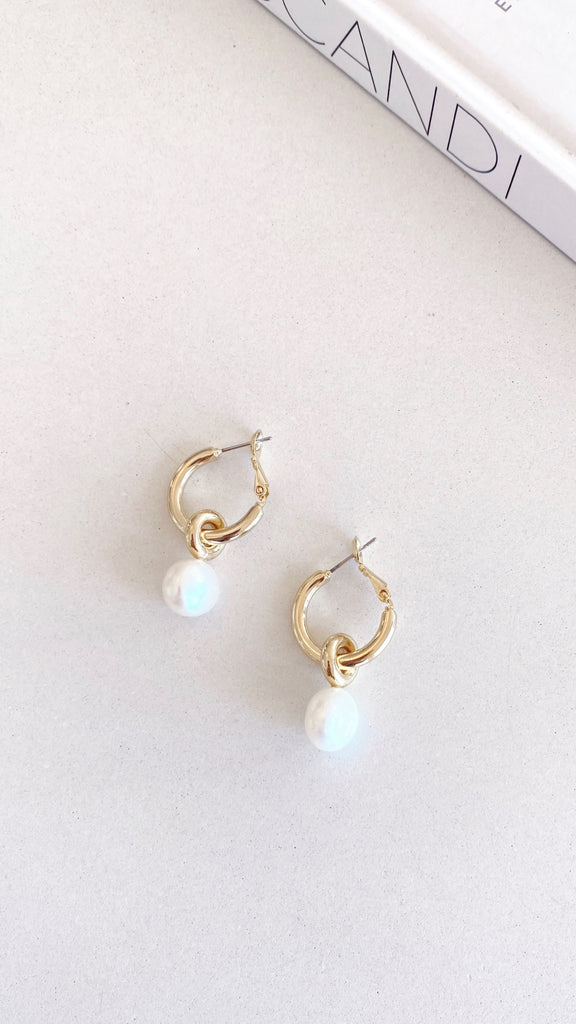 Taylor Earrings - Gold/Pearl