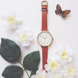 MODERN VINTAGE WHITE DIAL TAN AND GOLD