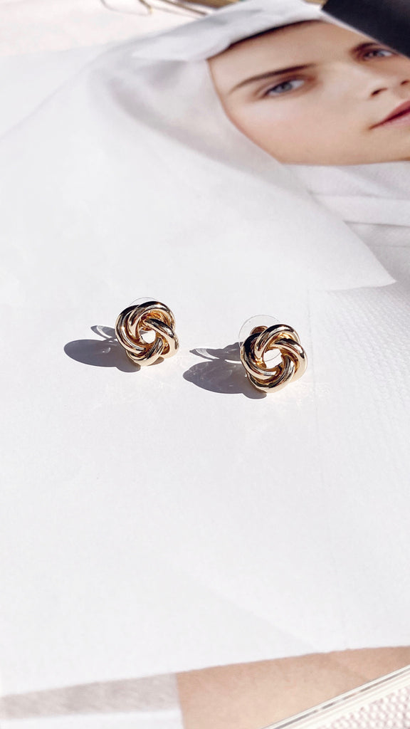 Yedda Round Twisted Knot Earrings - Gold