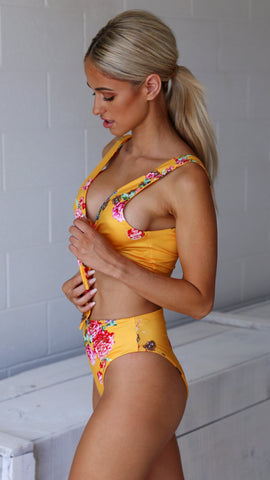 In the Tropics - Bikini