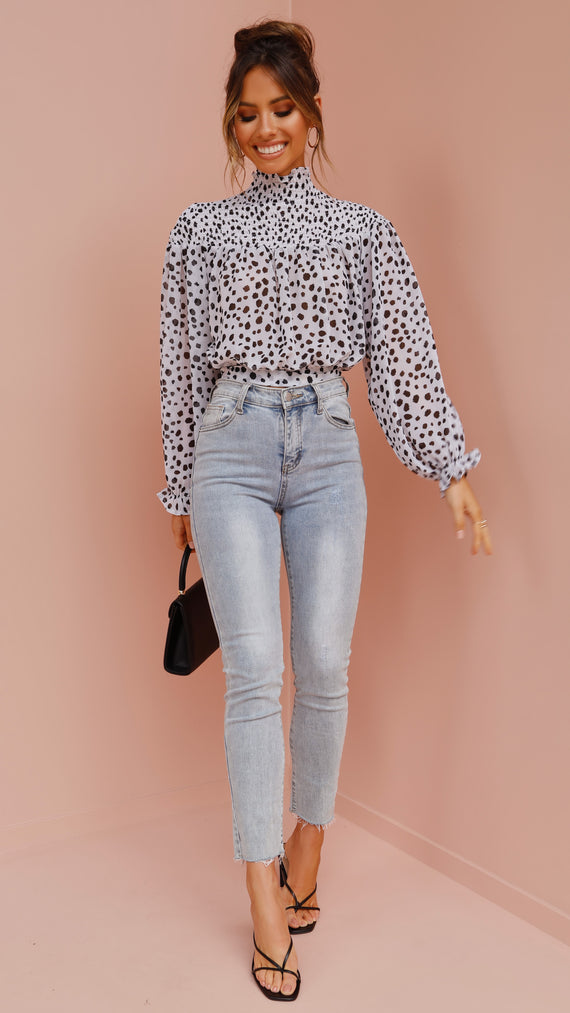 Amberlyn Top - White/Black Spots