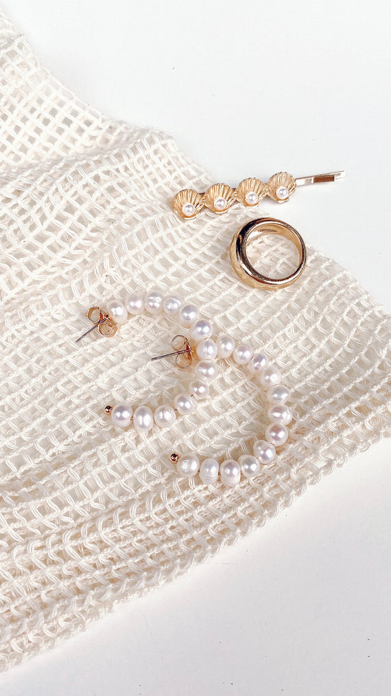 MINI F.W PEARL HOOP EARRINGS